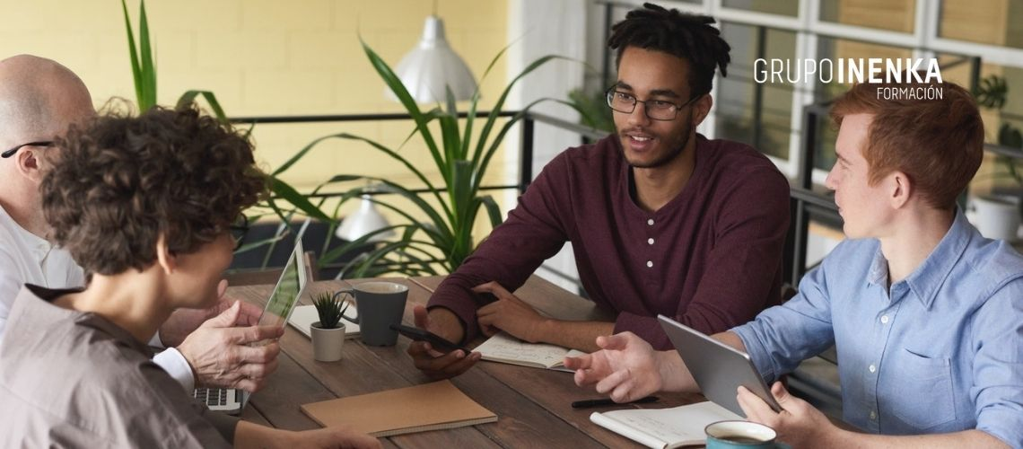 Conoce la comunicación empresarial y su importancia en el entorno laboral