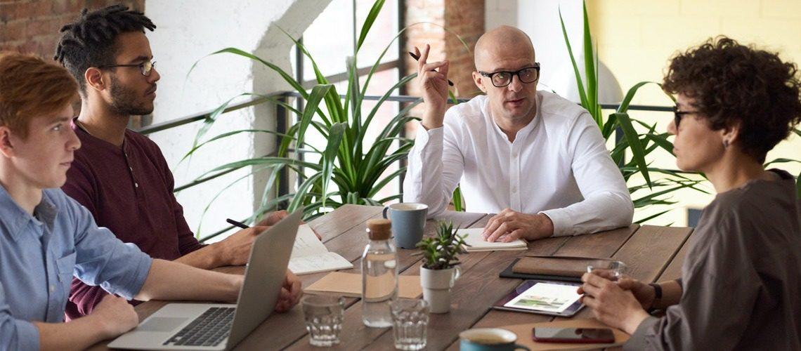 Descubre las competencias profesionales más valoradas actualmente en el mercado laboral