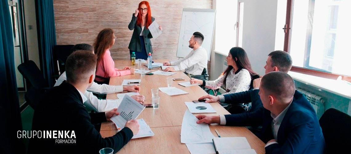 Descubre el liderazgo organizacional y su importancia en una empresa